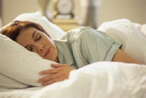 잠을 더 푹 자면서 휴식을 취하는 방법