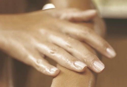 손이 붓는 이유는 무엇일까?