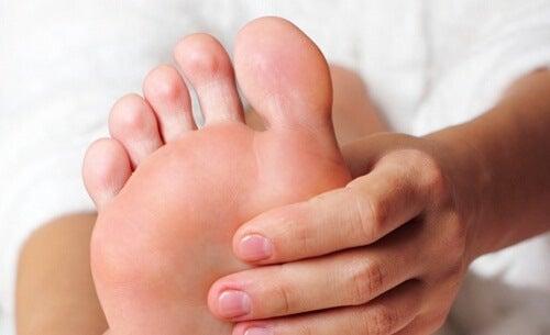 피곤한 발을 이완시키는 방법
