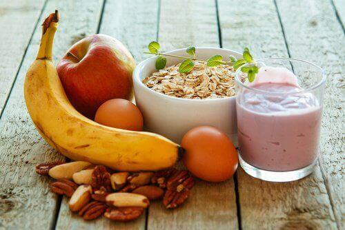 더 많은 에너지를 공급하는 6가지 아침 식사