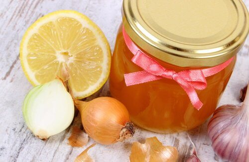 탈모를 방지하는 양파 꿀 요법