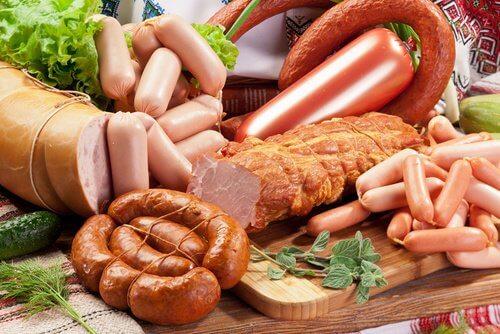 관절에 문제가 있을 때 피해야 할 식품