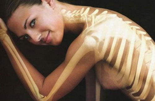 꿀을 탄 우유의 뼈 건강