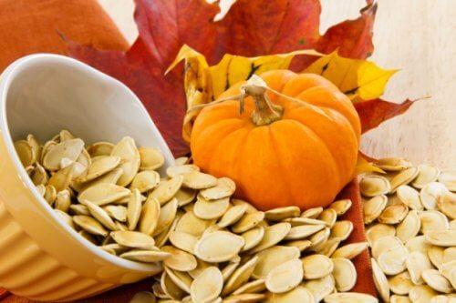 호박씨를 섭취해야 하는 8가지 이유