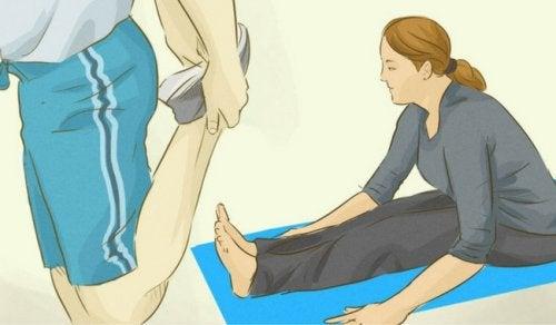 다리 경련을 줄이기 위한 5가지 팁