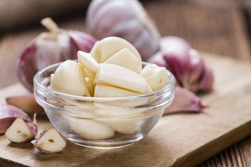 뇌를 위한 최고의 허브 및 향신료 마늘