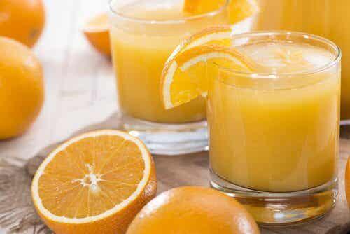 비타민 C가 결핍되면 나타나는 증상 8가지
