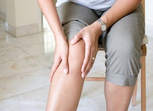 음식으로 무릎 통증을 감소시키는 10가지 팁