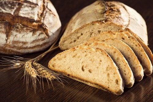 다이어트를 방해하는 통밀빵