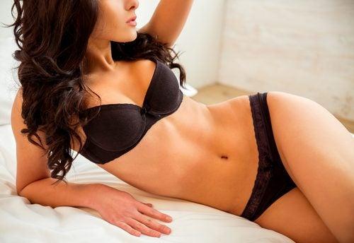 자연적으로 당신의 몸매를 잡아주는 7가지 팁