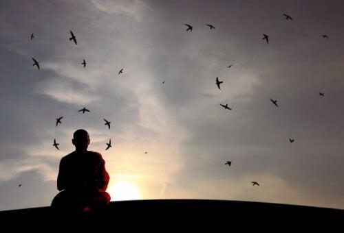 침묵하는 것은 과연 어떤 힘이 있을까?