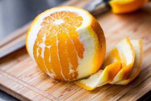 우리가 몰랐던 오렌지 껍질의 8가지 약용 특성