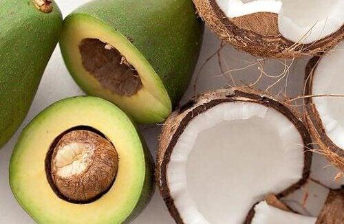 아보카도 코코넛 워터 스무디