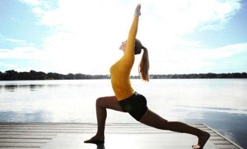 체중 감량에 효과적인 6가지 요가 자세