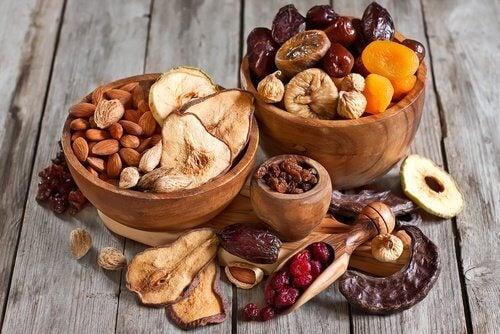 견과류와 씨앗류를 식단에 더하는 방법