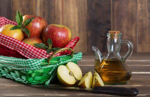 다한증에 맞서는 7가지 흥미로운 비법 사과식초
