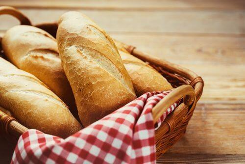 씨앗 크래커를 빵