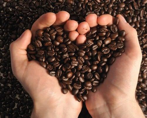 체중 감량을 돕는 8가지 음식 조합 커피