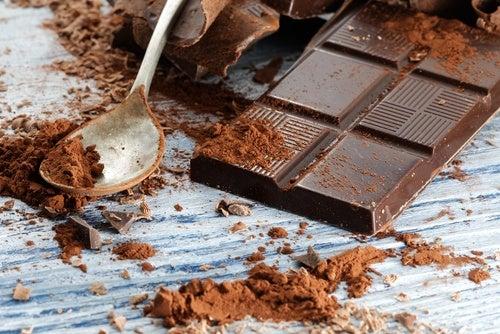 다크 초콜릿 건강한 두뇌를 위해 섭취해야 할 8가지 식품