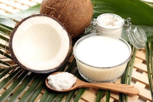 탈모를 멈추게 하는 알로에 코코넛 헤어팩
