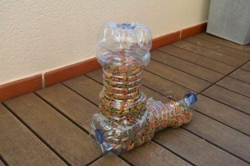 플라스틱 먹이통