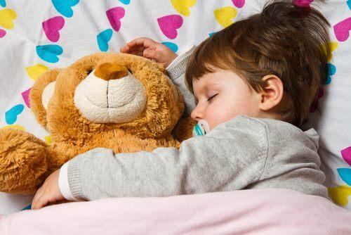 미취학 아동은 얼마나 어떻게 잠을 자야 할까?