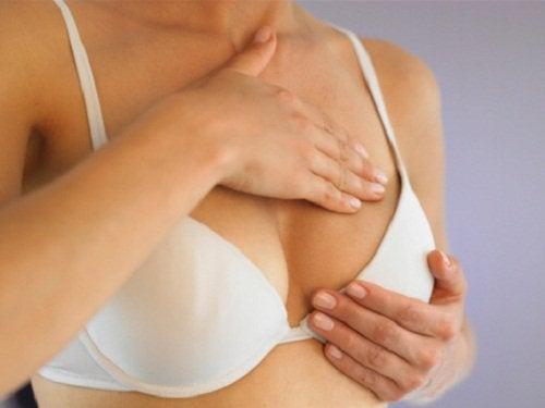 유방 통증의 농양