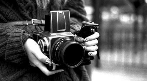 사진으로 방을 꾸미는 멋진 아이디어 12가지