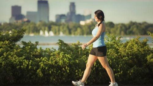목 통증을 완화하는 데 가장 효과적인 운동 6가지