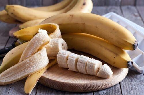 바나나를 먹는 6가지 독특한 방법