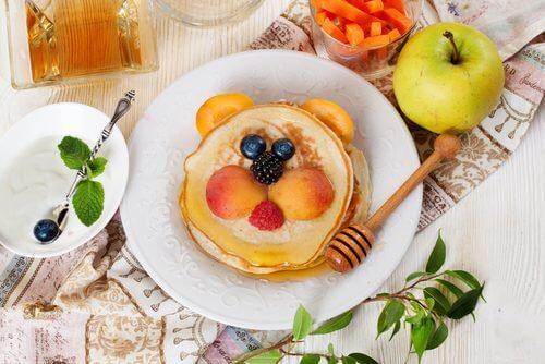 아이들 아침 식사에 포함되어서는 안 되는 5가지 음식