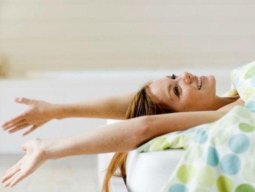 활력 충전을 위해 매일 할 수 있는 5가지 스트레칭