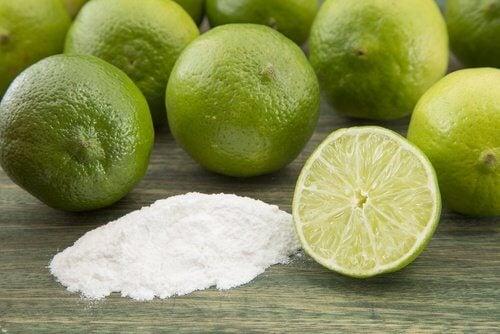 무릎 미백에 좋은 천연 각질 제거제 레몬