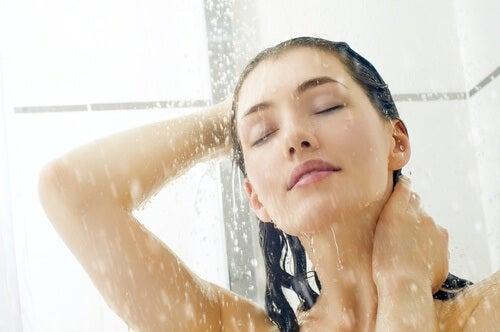 활력 충전을 위한 찬물 샤워