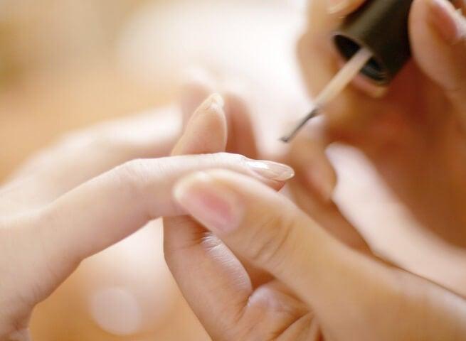 건강한 손톱 모양: 속손톱이 건강에 대해 말하는 것