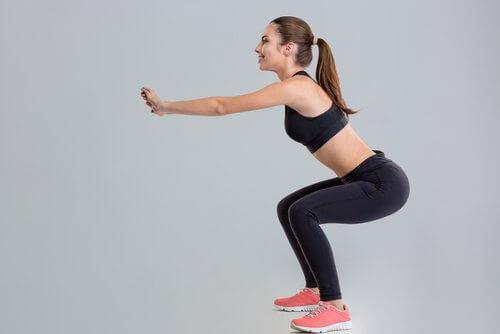 탄탄한 엉덩이와 다리를 위한 스쿼트