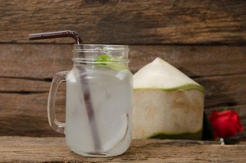 코코넛 워터