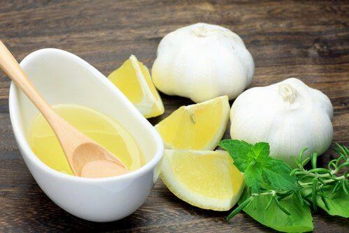 마늘과 레몬