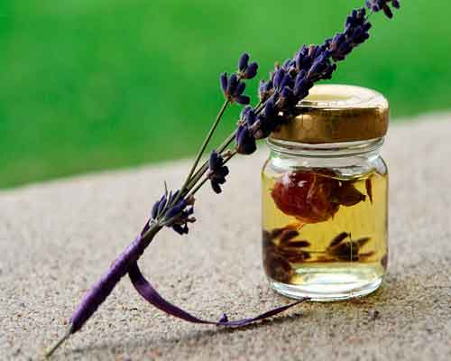 라벤더 에센셜 오일 활용법