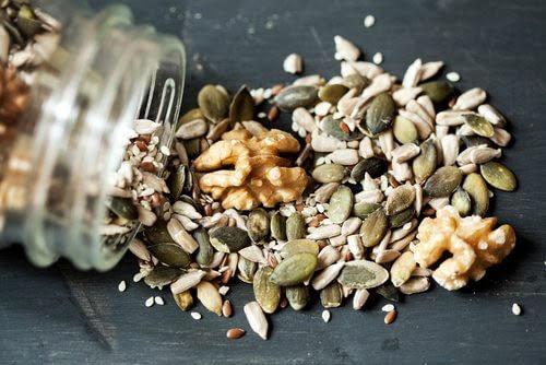 식단에 추가해야 할 건강에 가장 좋은 씨앗
