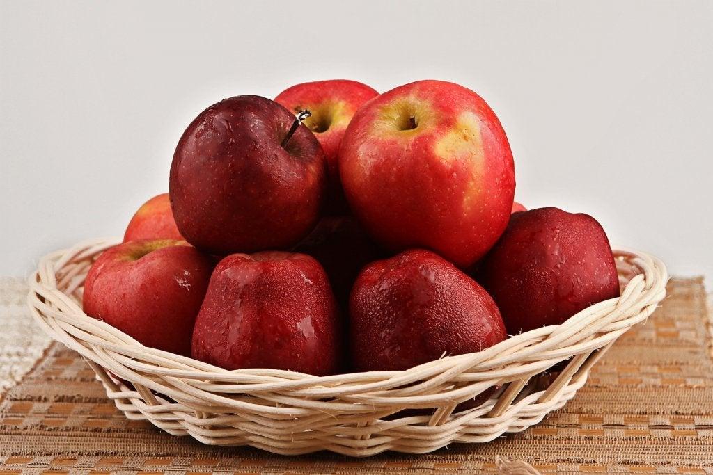사과 변비를 효과적으로 퇴치하는 9가지 과일