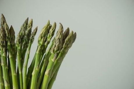고단백 채소는 아스파라거스