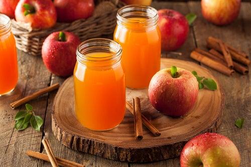 치질 예방하는 사과 주스