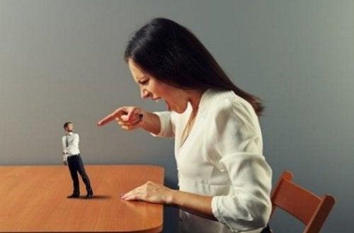 언어 폭력의 6가지 징후