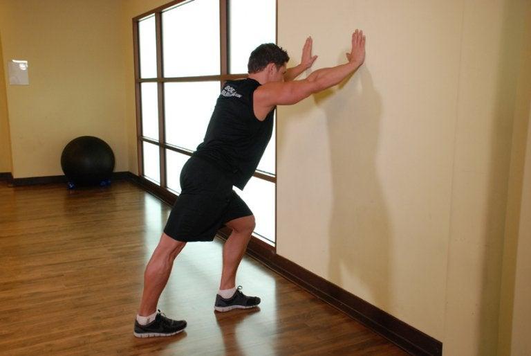 발뒤꿈치 통증 증후군 치료를 위한 운동 5가지