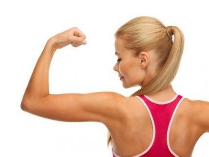 팔 근육을 강화하는 3가지 루틴