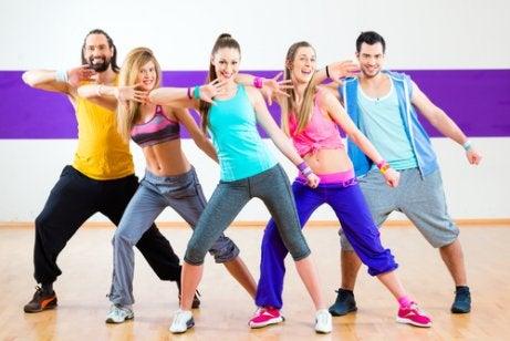 가슴 사이즈를 줄이는 5가지 운동