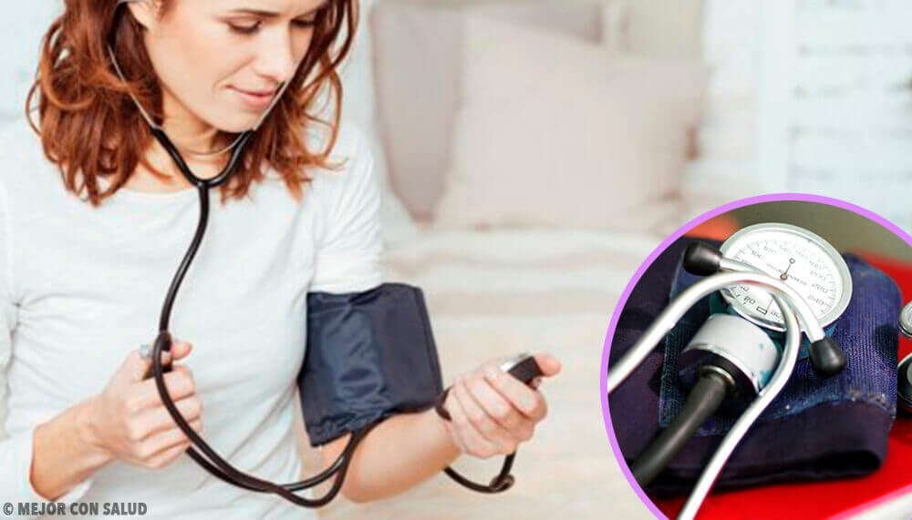 집에서 혈압을 제대로 재기 위한 8가지 팁