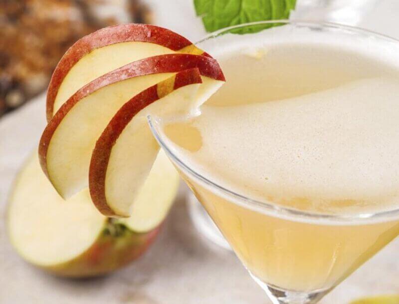 날씬한 복부를 위한 5가지 주스 사과 주스