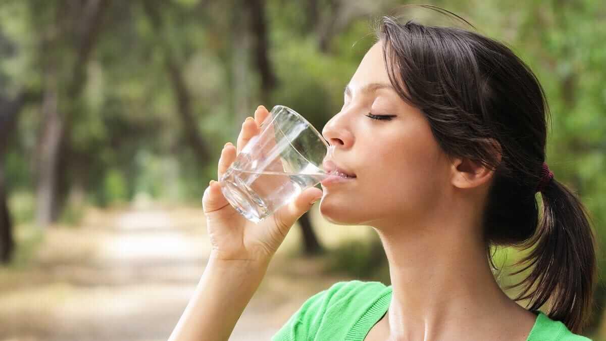 물 많이 마시기